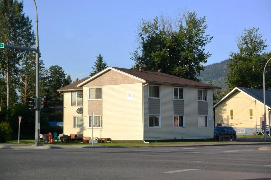 """Main Photo: 3691 16 Highway in Smithers: Smithers - Town Multi-Family Commercial for sale in """"KING STREET APARTMENTS"""" (Smithers And Area (Zone 54))  : MLS®# C8039334"""