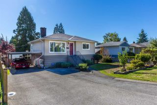 Photo 1: 351 E 20TH Street in North Vancouver: Central Lonsdale House for sale : MLS®# R2216173