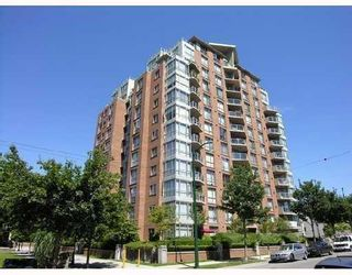 """Photo 1: 1005 1575 W 10TH Avenue in Vancouver: Fairview VW Condo for sale in """"TRITON ON 10TH"""" (Vancouver West)  : MLS®# V764989"""