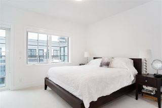 """Photo 13: 21 1133 RIDGEWOOD Drive in North Vancouver: Edgemont Townhouse for sale in """"Edgemont Walk"""" : MLS®# R2485146"""