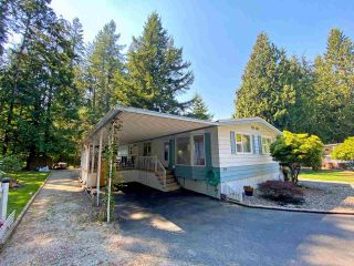 """Photo 1: 19 2306 198 Street in Langley: Brookswood Langley Manufactured Home for sale in """"CEDAR LANE SENIORS PARK"""" : MLS®# R2497884"""