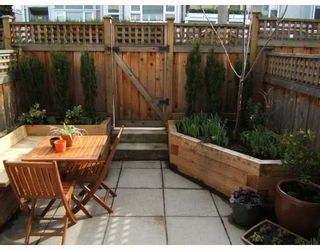 """Photo 9: 2951 LAUREL Street in Vancouver: Fairview VW Townhouse for sale in """"BROWNSTONE"""" (Vancouver West)  : MLS®# V702264"""