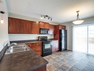 Photo 9: 326 Elgin Place SE in Calgary: McKenzie Towne Semi Detached for sale : MLS®# A1136926