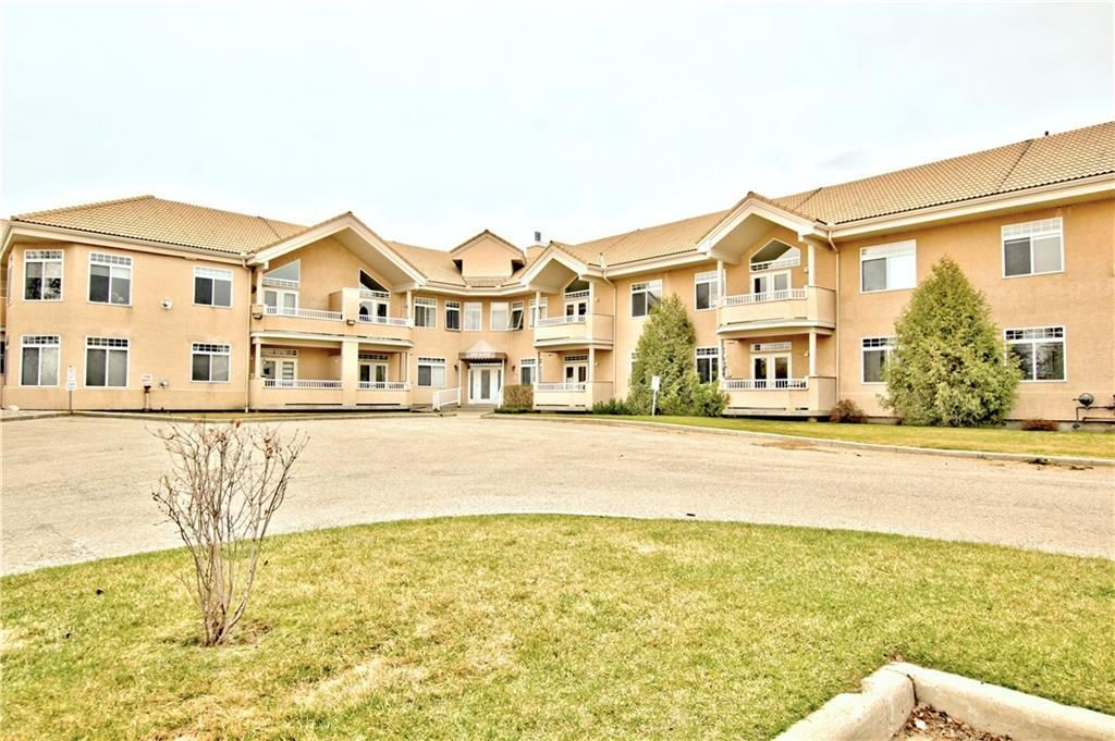 Main Photo: 2113 PATTERSON View SW in Calgary: Patterson Apartment for sale : MLS®# C4290598