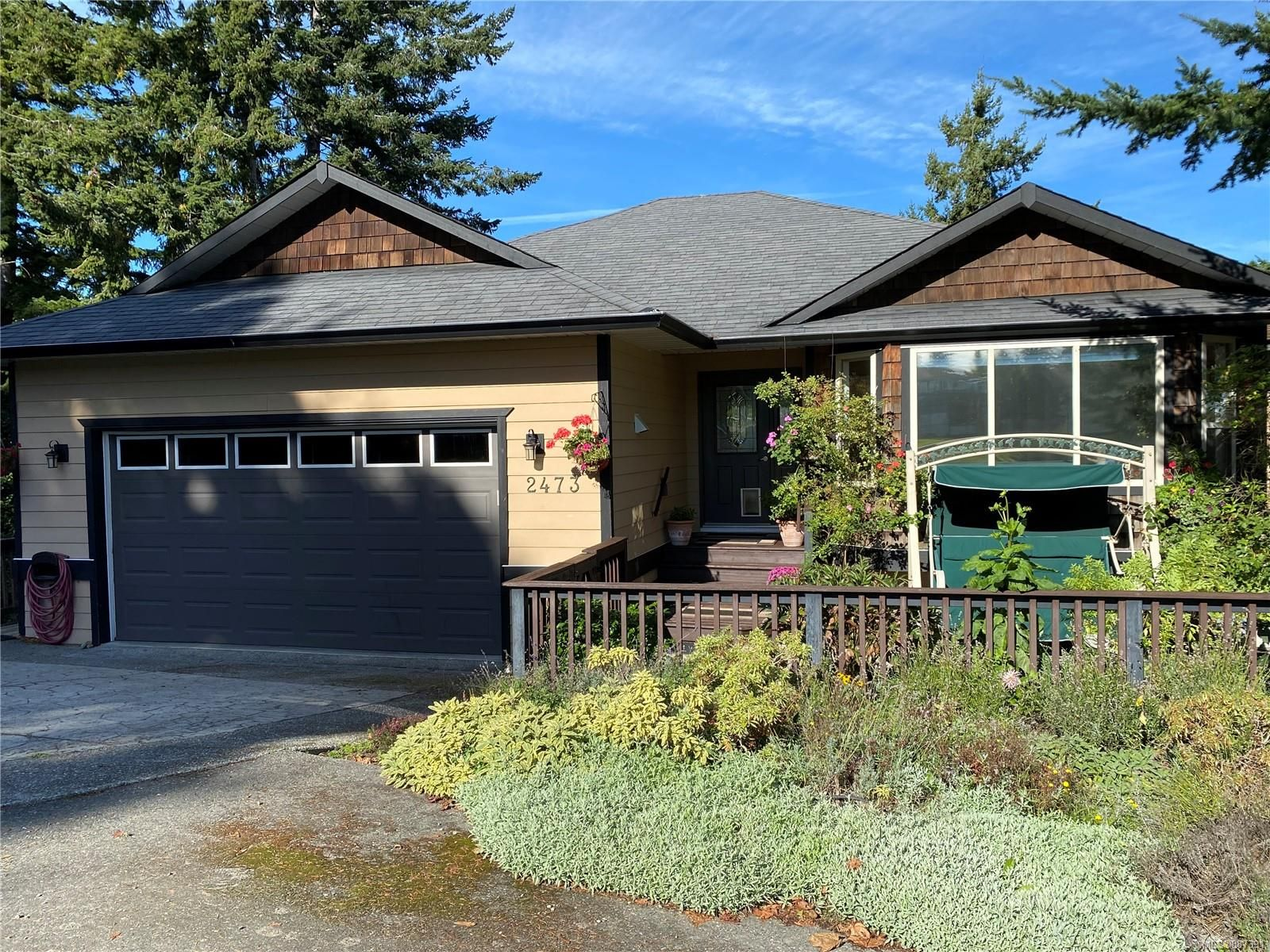 Main Photo: 2473 Valleyview Pl in : Sk Broomhill House for sale (Sooke)  : MLS®# 887391