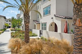 Photo 2: CHULA VISTA Townhouse for sale : 4 bedrooms : 5200 Calle Rockfish #97 in San Diego