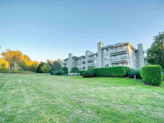 """Photo 24: 401 13680 84 Avenue in Surrey: Bear Creek Green Timbers Condo for sale in """"Trails at BearCreek"""" : MLS®# R2503908"""