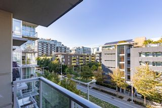 """Photo 15: 557 108 W 1ST Avenue in Vancouver: False Creek Condo for sale in """"WALL CENTRE"""" (Vancouver West)  : MLS®# R2614922"""