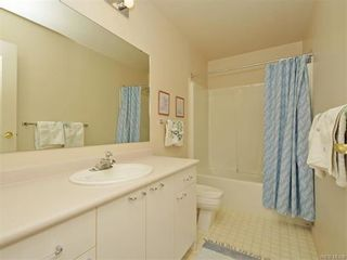 Photo 16: 11 4300 Stoneywood Lane in VICTORIA: SE Broadmead Row/Townhouse for sale (Saanich East)  : MLS®# 748264