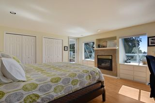 Photo 13: 952 LEE Street: White Rock House for sale (South Surrey White Rock)  : MLS®# R2351261