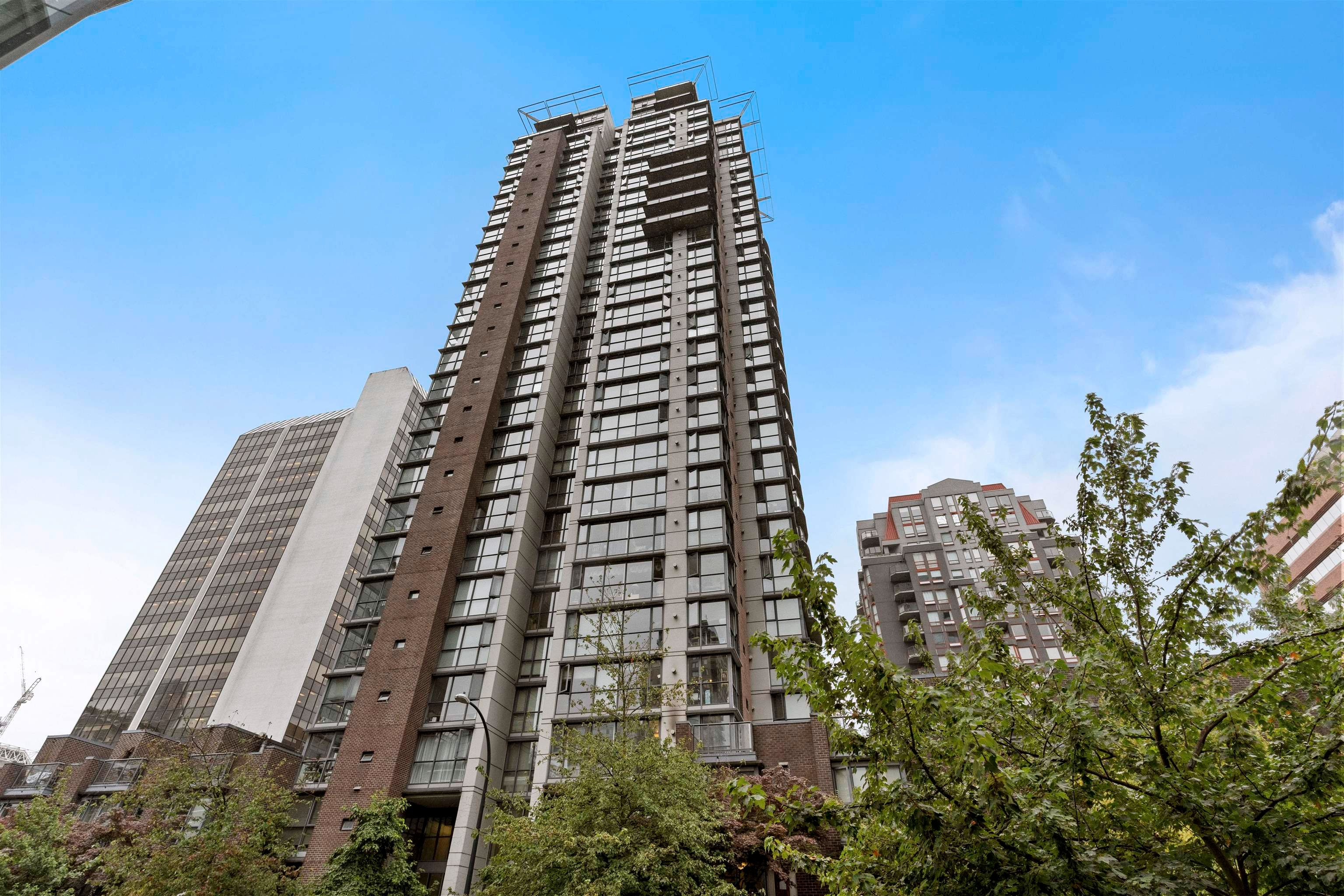 Main Photo: 807 1068 HORNBY STREET in Vancouver: Downtown VW Condo for sale (Vancouver West)  : MLS®# R2611620