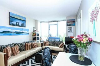 """Photo 3: 701 445 W 2ND Avenue in Vancouver: False Creek Condo for sale in """"MAYNARD'S BLOCK"""" (Vancouver West)  : MLS®# R2084964"""