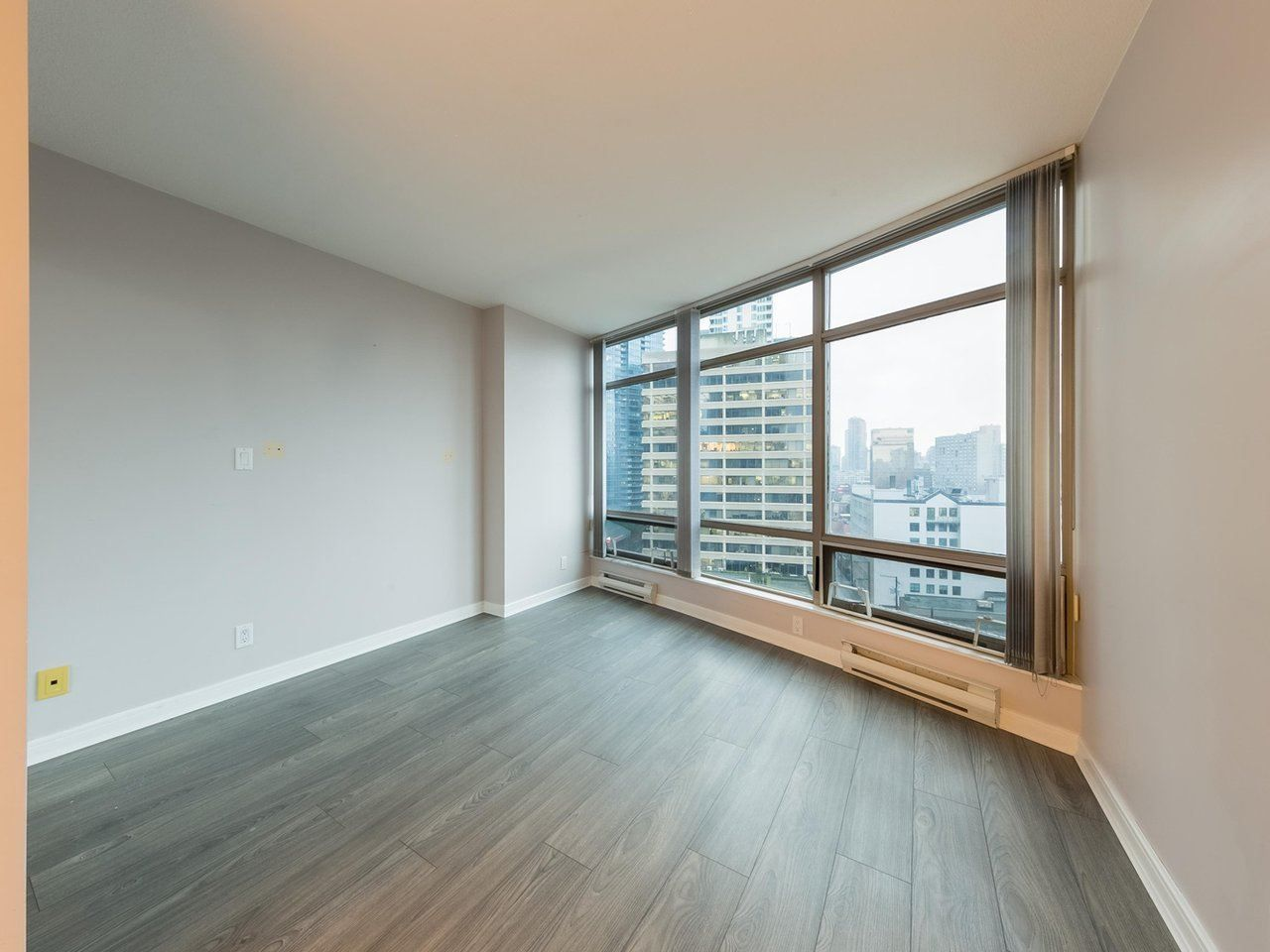 """Photo 5: Photos: 1202 1200 ALBERNI Street in Vancouver: West End VW Condo for sale in """"Palisades"""" (Vancouver West)  : MLS®# R2527140"""