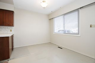 Photo 7: 8520 HOWARD Crescent in Chilliwack: Chilliwack E Young-Yale Duplex for sale : MLS®# R2532277