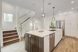 Photo 21: 2710 Parkdale Boulevard NW in Calgary: West Hillhurst Semi Detached for sale : MLS®# A1113109