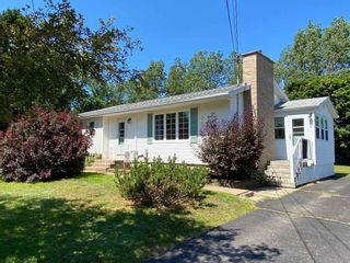Photo 1: 1135 Aalders Avenue in New Minas: 404-Kings County Residential for sale (Annapolis Valley)  : MLS®# 202015183