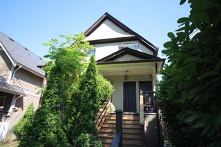 Photo 2: 743 E 15TH Avenue in Vancouver: Mount Pleasant VE House for sale (Vancouver East)  : MLS®# R2605716