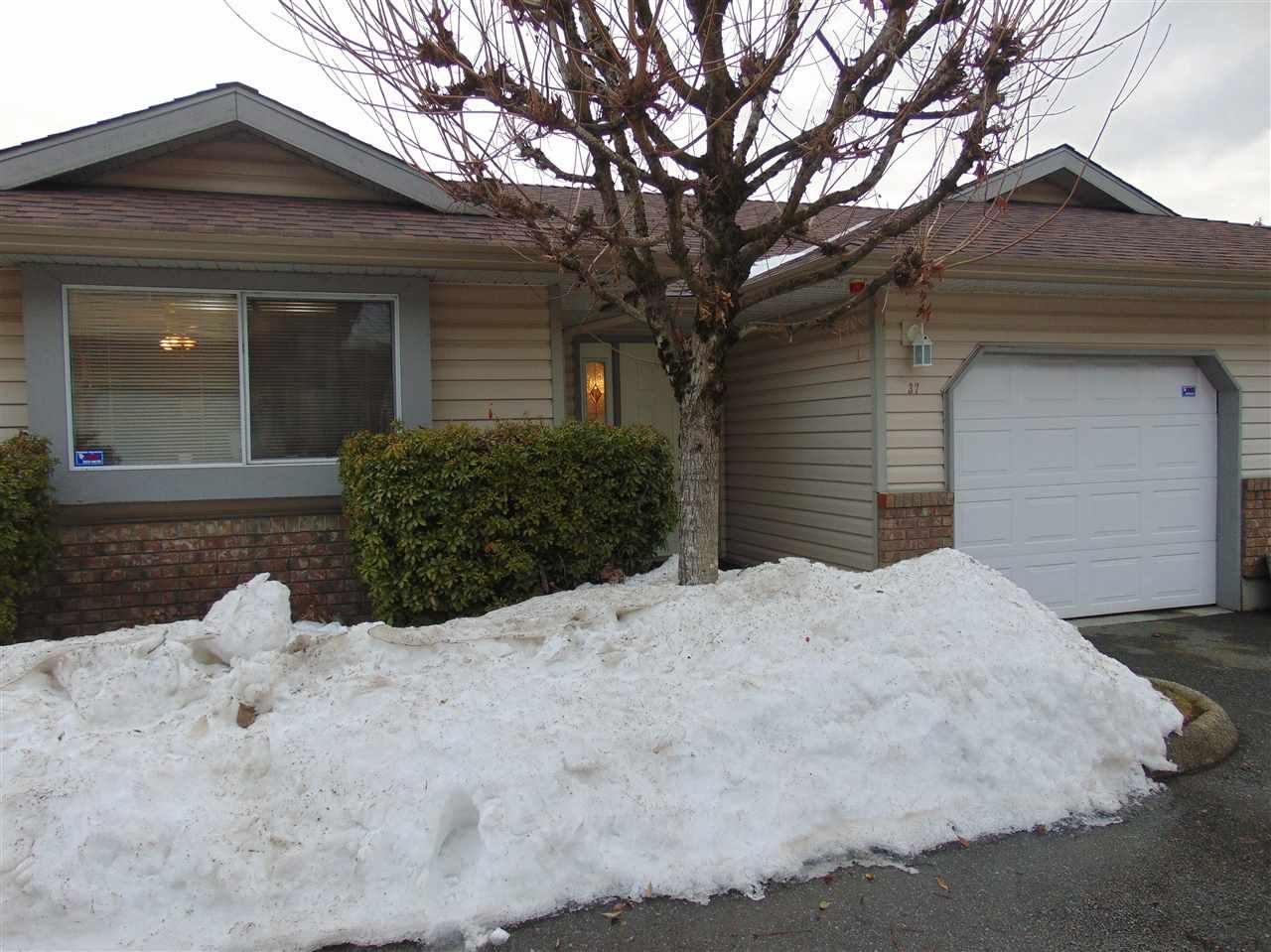 Main Photo: 37 2023 WINFIELD DRIVE in : Abbotsford East Townhouse for sale : MLS®# R2138029