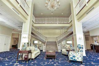 Photo 3: 812 15333 16 AVENUE in Surrey: King George Corridor Condo for sale (South Surrey White Rock)  : MLS®# R2455911
