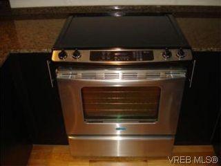 Photo 7: 207 2717 Peatt Rd in VICTORIA: La Langford Proper Condo for sale (Langford)  : MLS®# 495348