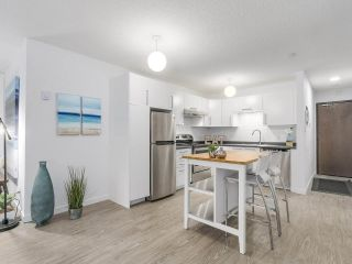 "Photo 11: 304 270 W 3RD Street in North Vancouver: Lower Lonsdale Condo for sale in ""Hampton Court"" : MLS®# R2220368"