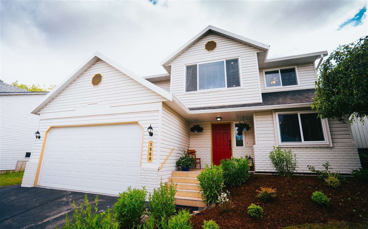 """Main Photo: 3960 OLD CLAYBURN Road in Abbotsford: Abbotsford East House for sale in """"Sandy Hill"""" : MLS®# R2458584"""