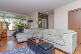 Photo 2: 101 1035 Sutlej St in : Vi Fairfield West Row/Townhouse for sale (Victoria)  : MLS®# 875395