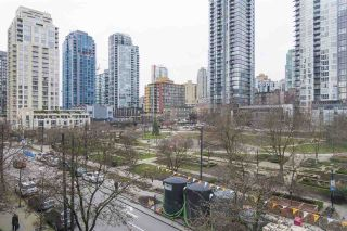 """Photo 12: 410 488 HELMCKEN Street in Vancouver: Yaletown Condo for sale in """"Robinson Tower"""" (Vancouver West)  : MLS®# R2239699"""