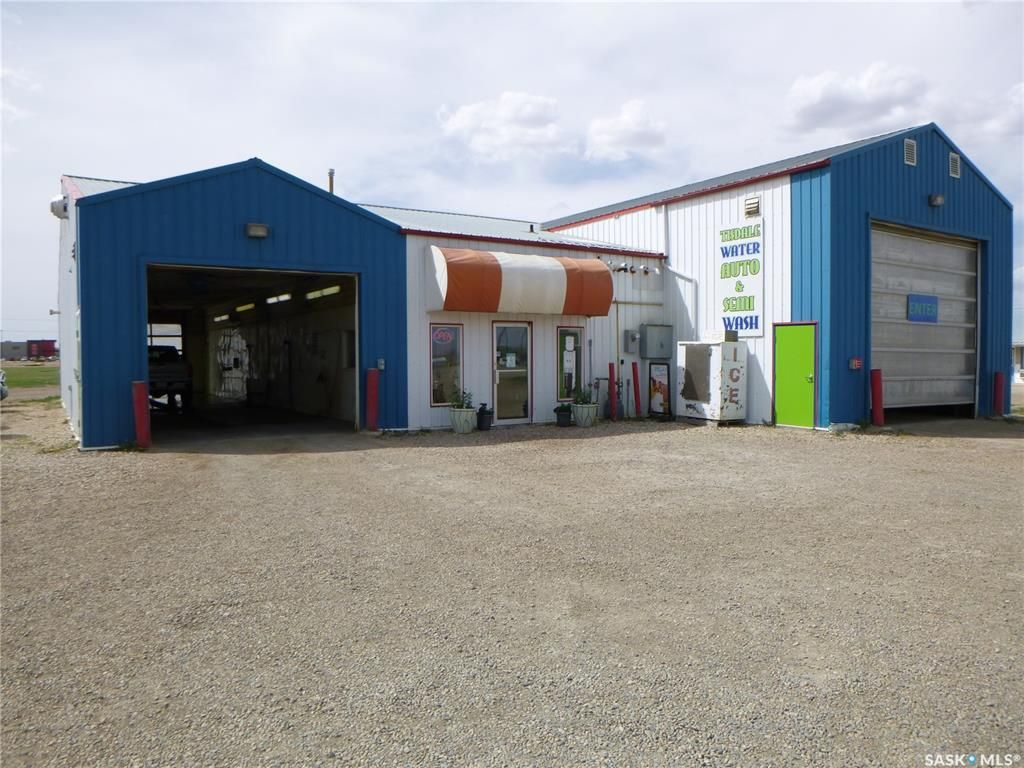 Main Photo: 353 100A Street in Tisdale: Commercial for sale : MLS®# SK855342