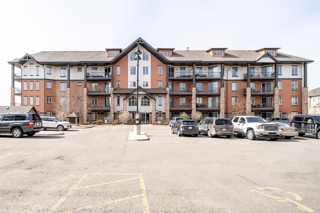 Main Photo: 2310 15 Sunset Square: Cochrane Apartment for sale : MLS®# A1088387