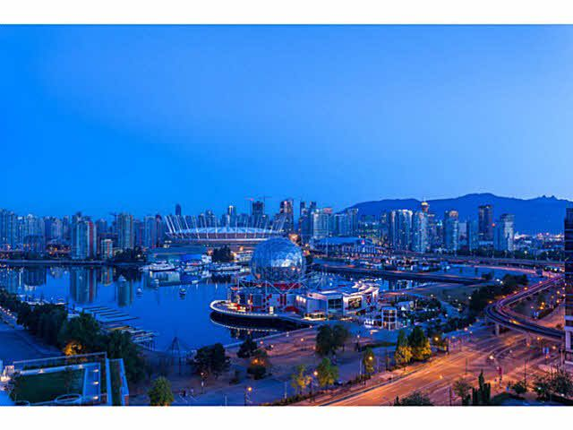 """Main Photo: 2107 1618 QUEBEC Street in Vancouver: Mount Pleasant VE Condo for sale in """"CENTRAL"""" (Vancouver East)  : MLS®# V1142760"""