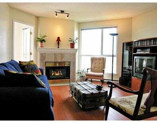 """Photo 4: 902 1185 QUAYSIDE DR in New Westminster: Quay Condo for sale in """"The Riviera"""" : MLS®# V588985"""