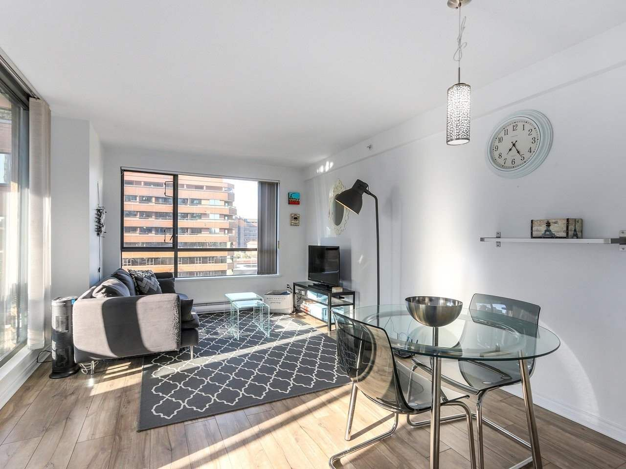 "Main Photo: 1708 1189 HOWE Street in Vancouver: Downtown VW Condo for sale in ""The Genesis"" (Vancouver West)  : MLS®# R2373933"