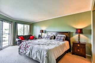Photo 12: 404 20453 53 Avenue in Langley: Langley City Condo for sale : MLS®# R2186113