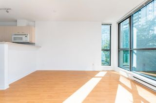 """Photo 3: 509 1331 ALBERNI Street in Vancouver: West End VW Condo for sale in """"THE LIONS"""" (Vancouver West)  : MLS®# R2625060"""