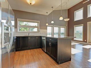 Photo 7: 411 866 Brock Ave in VICTORIA: La Langford Proper Condo for sale (Langford)  : MLS®# 792063