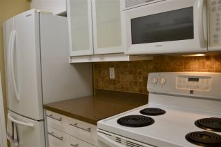 """Photo 5: 301 2320 W 40TH Avenue in Vancouver: Kerrisdale Condo for sale in """"MANOR GARDENS"""" (Vancouver West)  : MLS®# R2431486"""