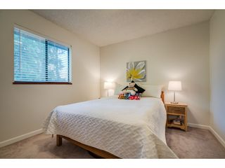 """Photo 14: 6136 129A Street in Surrey: Panorama Ridge House for sale in """"Panorama Park"""" : MLS®# R2351139"""