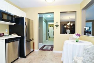 """Photo 3: 313 20894 57 Avenue in Langley: Langley City Condo for sale in """"BAYBERRY LANE"""" : MLS®# R2554939"""