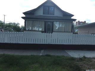 Photo 4: 403 I Avenue North in Saskatoon: Westmount Residential for sale : MLS®# SK858437