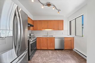 """Photo 3: 204 2195 W 40TH Avenue in Vancouver: Kerrisdale Townhouse for sale in """"THE DIPLOMAT IN KERRISDALE"""" (Vancouver West)  : MLS®# R2618112"""