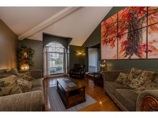 Photo 2: 34760 MILLSTONE Way in Abbotsford: Abbotsford East House for sale : MLS®# R2120507