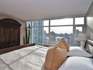 "Photo 9: 1807 198 AQUARIUS MEWS ME in Vancouver: Yaletown Condo for sale in ""AQUARIUS II"" (Vancouver West)  : MLS®# V995255"