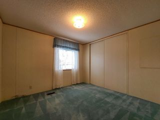 """Photo 13: 17 7817 HIGHWAY 97 S in Prince George: Sintich Manufactured Home for sale in """"Sintich Adult Mobile Home Park"""" (PG City South East (Zone 75))  : MLS®# R2614001"""