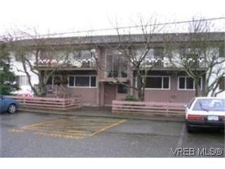 Photo 1: 424 W Burnside Rd in VICTORIA: SW Tillicum Condo for sale (Saanich West)  : MLS®# 490298