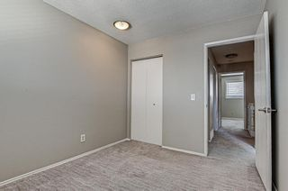 Photo 12: 137 Woodglen Way SW in Calgary: Woodbine Semi Detached for sale : MLS®# A1092343