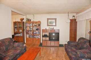 Photo 2: 207 Cross Street South in Outlook: Residential for sale : MLS®# SK830797
