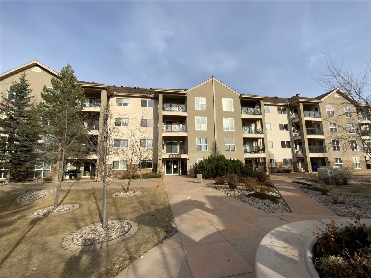 Main Photo: 213 8942 156 Street in Edmonton: Zone 22 Condo for sale : MLS®# E4235755