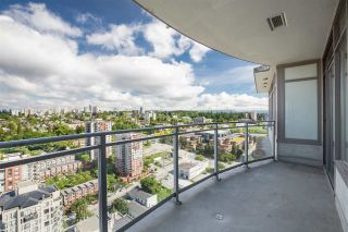 """Photo 1: 3307 898 CARNARVON Street in New Westminster: Downtown NW Condo for sale in """"AZURE I"""" : MLS®# R2469814"""