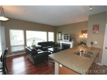 Main Photo:  in VICTORIA: La Langford Proper Condo for sale (Langford)  : MLS®# 449040